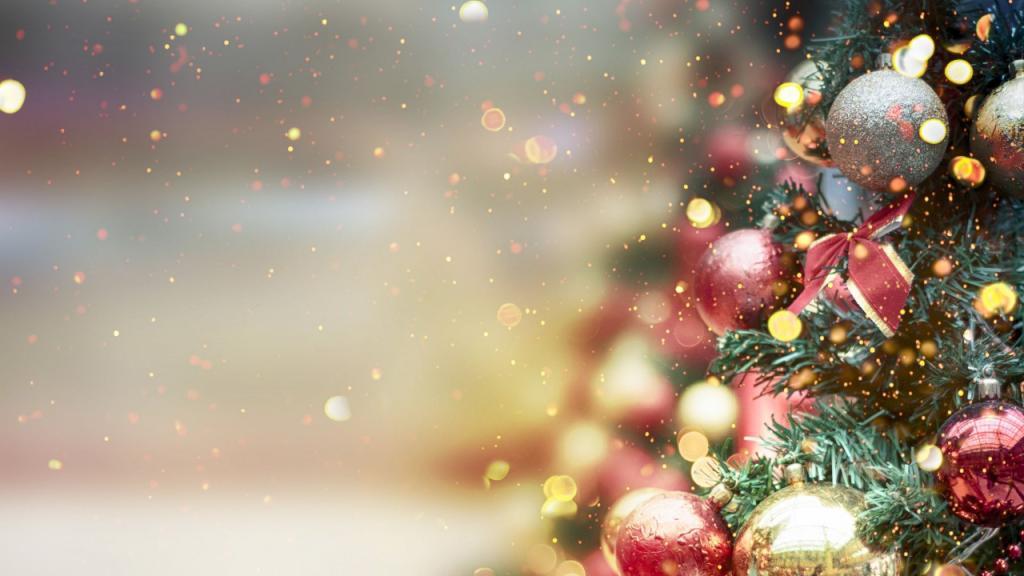 Christmas Tree Screensaver | Roku Guide